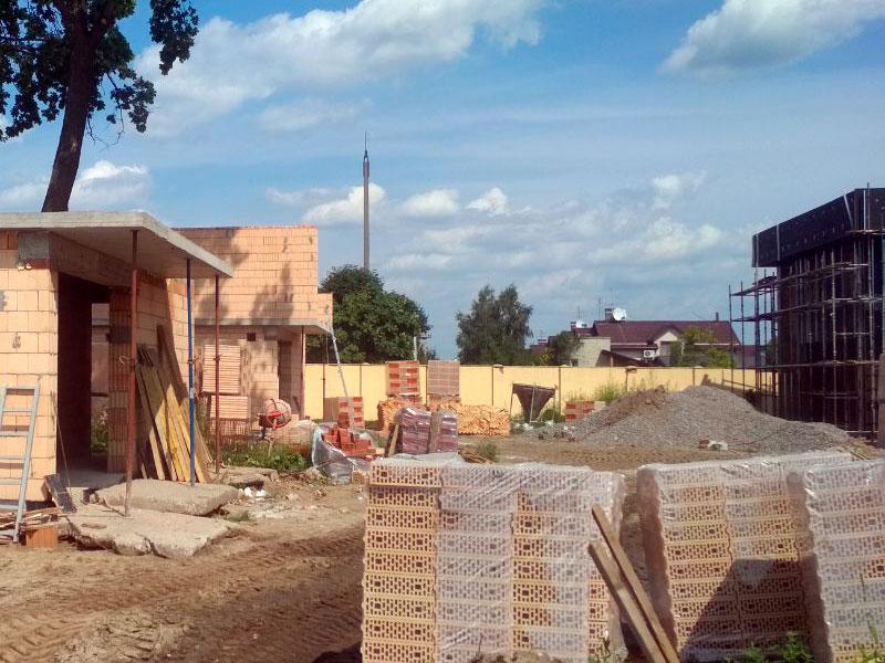 Строительство в клубном городке