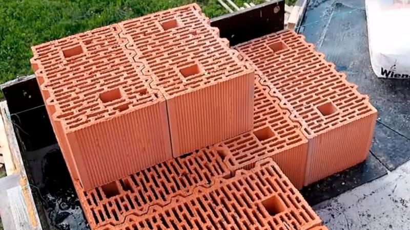 правильный угол из керамических блоков